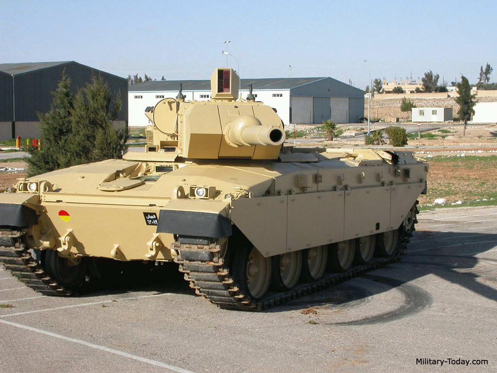 Jordanian_falcon_turret